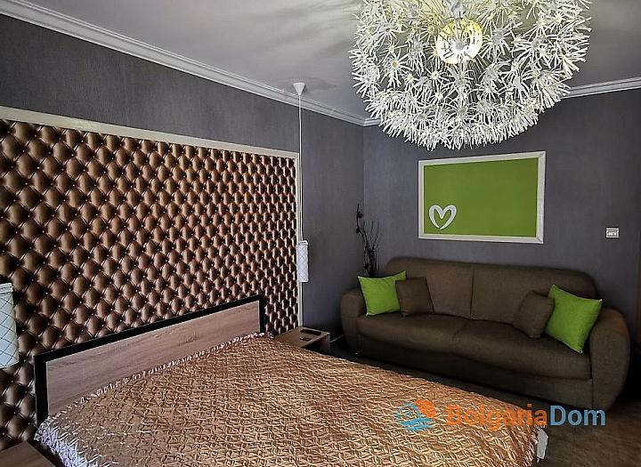 Стильный двухкомнатный апартамент в Святом Власе. Фото 7