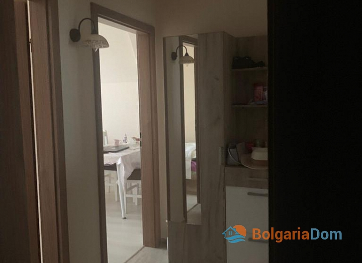 Апартамент с панорамной террасой на первой линии в Поморие. Фото 27