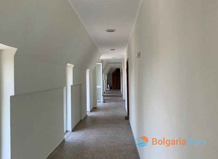Апартамент с панорамной террасой на первой линии в Поморие. Фото 30