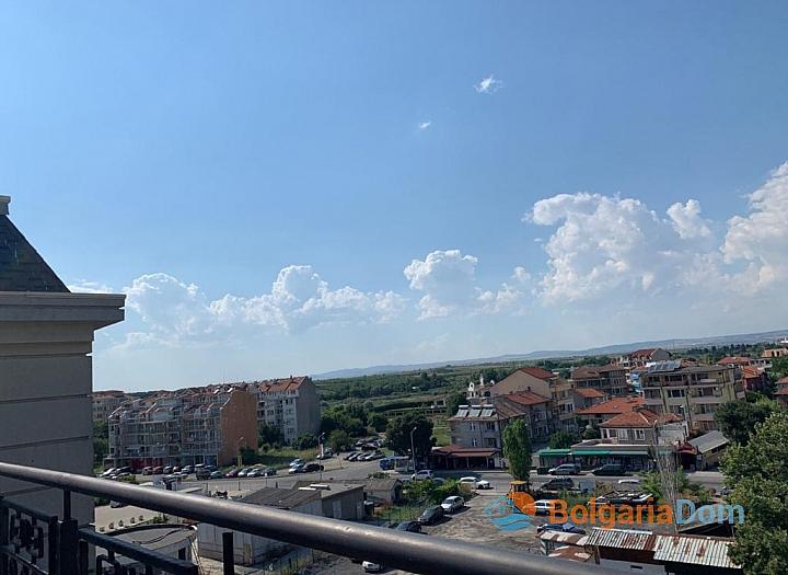 Апартамент с панорамной террасой на первой линии в Поморие. Фото 31