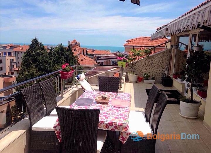 Просторный апартамент на продажу в Равде. Фото 1