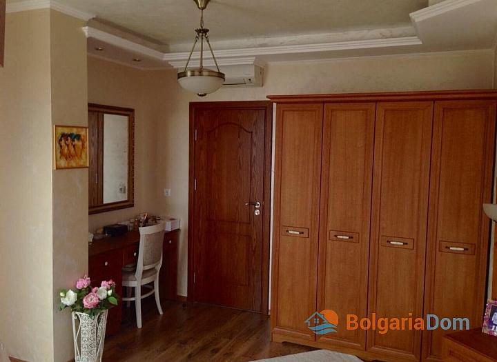 Просторный апартамент на продажу в Равде. Фото 5
