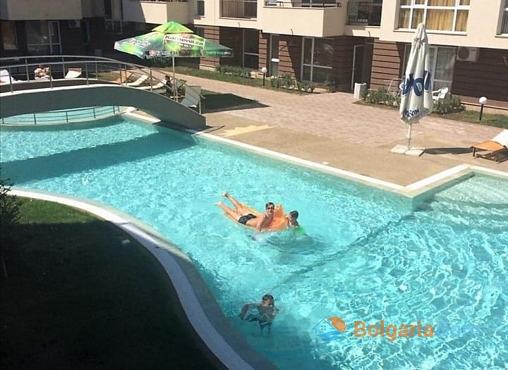 Продажа двухкомнатной квартиры в курорте Солнечный Берег. Фото 6