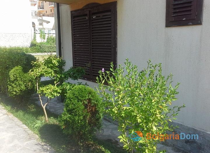 Отличная двухкомнатная квартира с английским двориком в комплексе Вилла Романа. Фото 18
