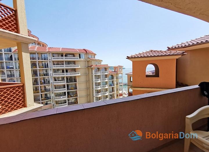 Двухкомнатная квартира с видом на море на первой линии. Фото 6