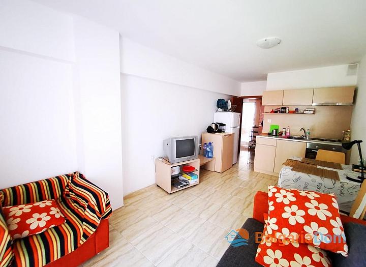 Двухкомнатная квартира в отличном комплексе в 200 метрах от моря. Фото 8