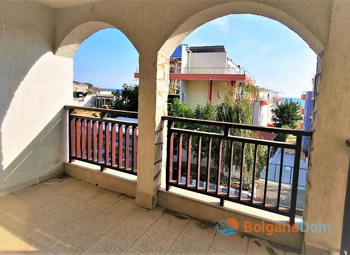 Двухкомнатная квартира с видом на море в 50 метрах от пляжа. Фото 6