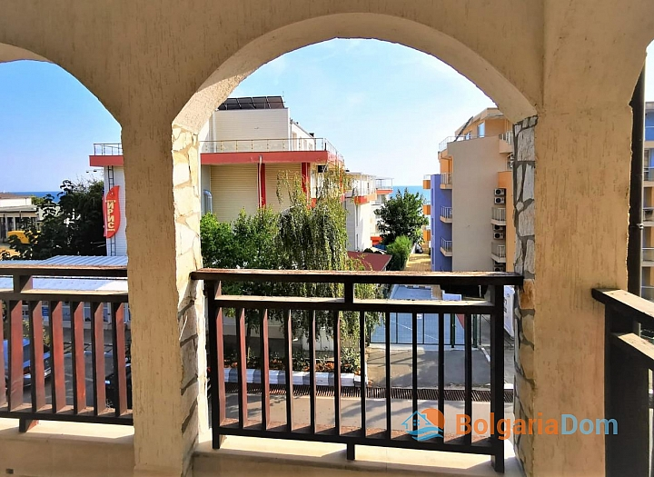 Двухкомнатная квартира с видом на море в 50 метрах от пляжа. Фото 2