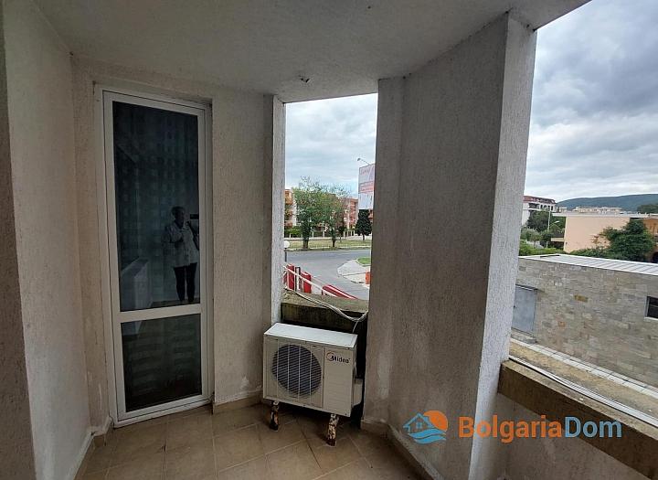 Отличная двухкомнатная квартира в здании без таксы поддержки на Солнечном Берегу. Фото 8