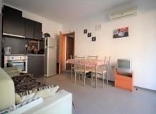 Недорогая трехкомнатная квартира в Солнечном Береге. Фото 3