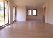 Просторная трехкомнатная квартира в центре Солнечного берега. Фото 5