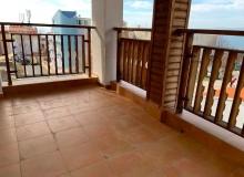 Современный трехкомнатный апартамент с видом на море. Фото 6