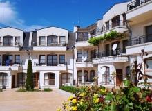 Апартамент с тремя спальнями в комплексе Несебр Вью. Фото 1