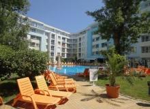 Двухкомнатная квартира в комплексе Ясень, Солнечный Берег. Фото 1