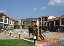 Виллы и квартиры на продажу Имперские Высоты (Imperial Heights) около к.к. Солнечный Берег, Болгария. Фото 1