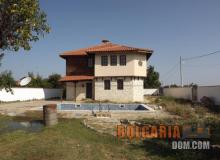 Двухэтажный дом для круглогодичного проживания около Варны. Фото 1