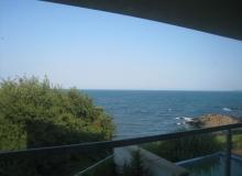 Трехэтажный дом на берегу моря. Фото 2