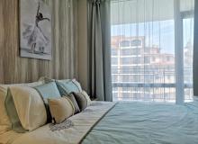 Трехкомнатная квартира у моря в Солнечном Береге. Фото 1
