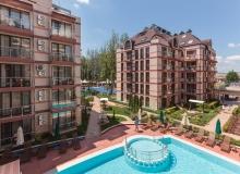 Купить недорого квартиру с двориком в Солнечном Береге. Фото 1
