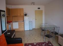 Квартира в жилом доме без таксы в центре Солнечного Берега. Фото 9