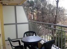 Двухкомнатная меблированная квартира в центральной части Солнечного берега. Фото 9