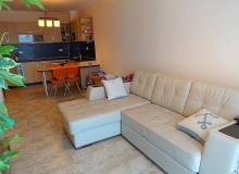 Отличный апартамент на первой линии моря в Несебре. Фото 1