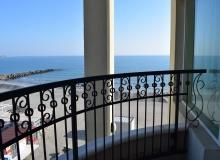 Трехкомнатная квартира на первой линии моря в Сансет Резорт. Фото 32