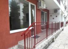Недорогая недвижимость на первой линии в Елените. Фото 16