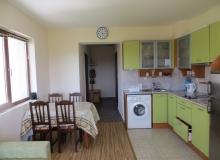 Квартира с хорошей мебелью и видом на море в Бяле. Фото 2
