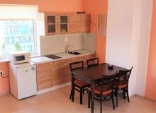 Двухкомнатная квартира с двориком в Елените. Фото 5