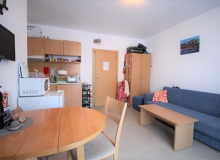 Компактная двухкомнатная квартира в центре курорта. Фото 8