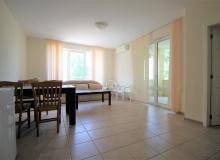 Недорогая двухкомнатная квартира в курорте Солнечный Берег. Фото 3
