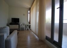 Просторный апартамент на первой линии в Царево, Врис. Фото 16