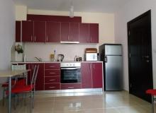 Современная двухкомнатная квартира в центре Поморие. Фото 3