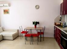 Современная двухкомнатная квартира в центре Поморие. Фото 2