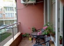 Современная двухкомнатная квартира в центре Поморие. Фото 7