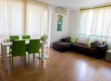 Двухкомнатная меблированная квартира на первой линии моря в Елените. Фото 5