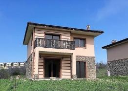 Новый двухэтажный дом около Солнечного Берега. Фото 1