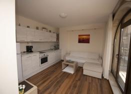 Двухкомнатная квартира в современном жилом комплексе. Фото 10