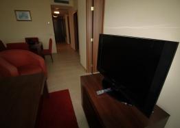 Апартамент с двумя спальнями на первой линии моря. Фото 10