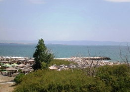 Трехкомнатная квартира на первой линии моря в Поморие. Фото 5