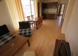 Трехкомнатная квартира с большой террасой в Солнечном Береге. Фото 15