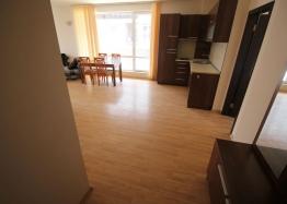 Трехкомнатная квартира с большой террасой в Солнечном Береге. Фото 17