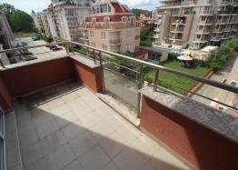 Трехкомнатная квартира с большой террасой в Солнечном Береге. Фото 18