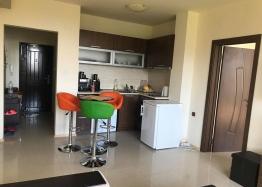 Трехкомнатная квартира в Равде рядом с пляжем. Фото 1