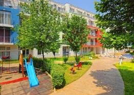 Квартира с тремя спальнями на продажу в Солнечном Береге. Фото 1