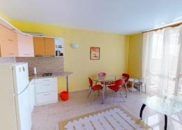 Недорогая трехкомнатная квартира рядом с Солнечным Берегом. Фото 1