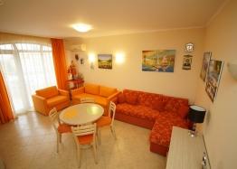 Двухкомнатная квартира в Роял Сан, Солнечный Берег. Фото 2