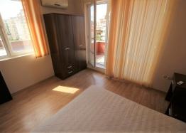 Трехкомнатная квартира с большой террасой в Солнечном Береге. Фото 20