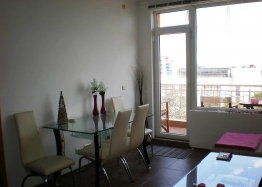 Трехкомнатная квартира на первой линии моря в Поморие. Фото 7